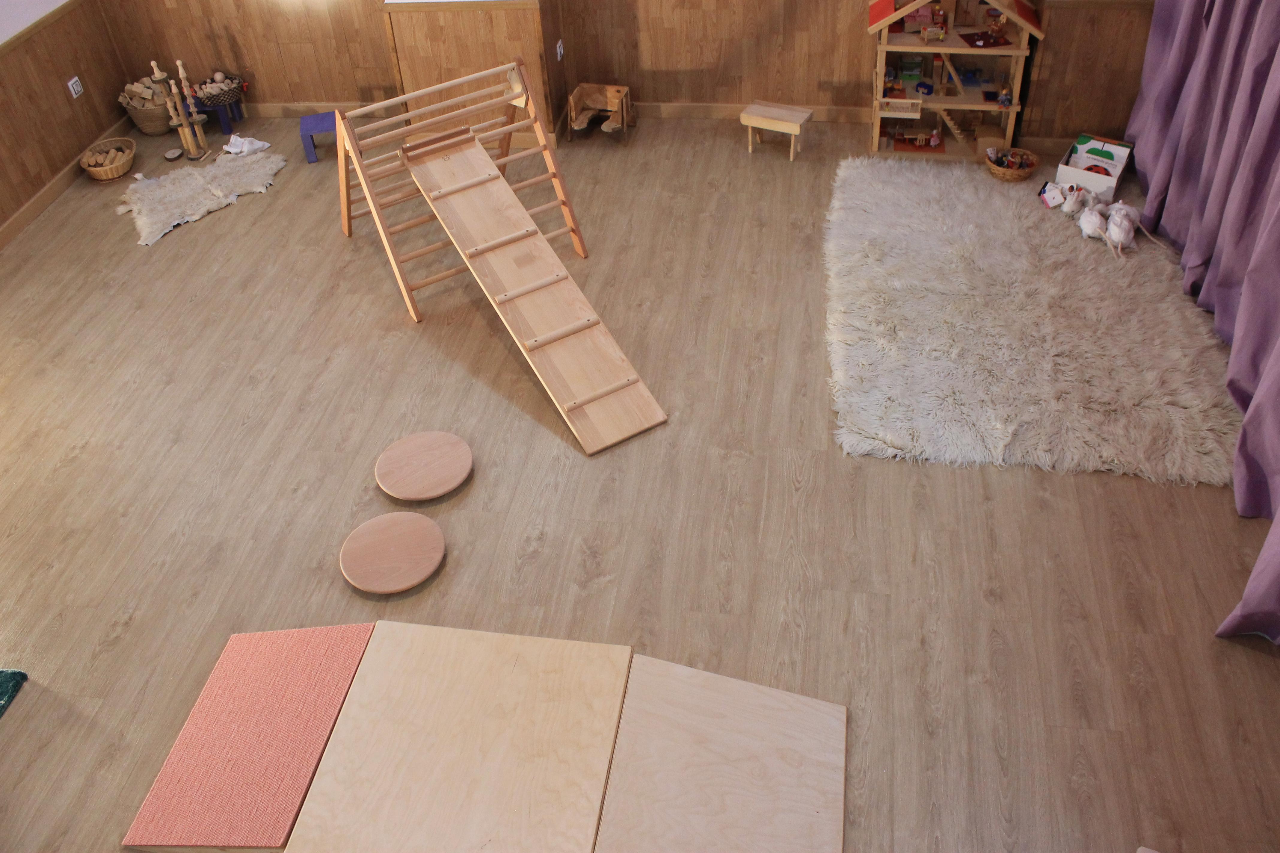 El Nidal, espacio de juego y movimiento para bebés (6 a 36 meses)